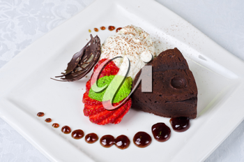 Chocolate flan with strawberries and chocolate, a wonderful dessert