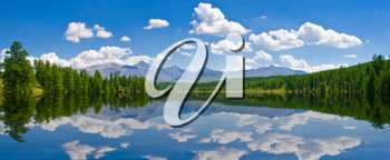 Royalty Free Photo of a Lake at  Altai, Russia