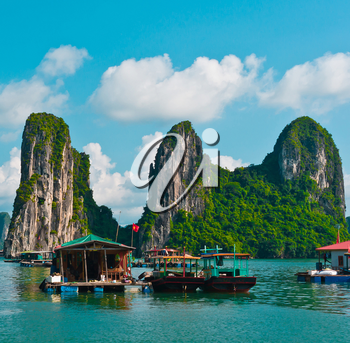 Floating fishing village in Halong Bay, Vietnam, Southeast Asia